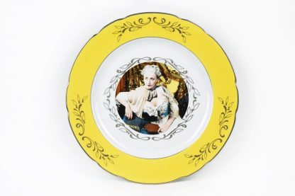 Cindy Sherman (1954), Madame de Pompadour, presentation plate (yellow), 1990