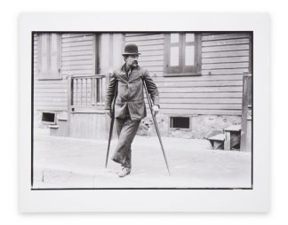 Lewis Wickes Hine (1874-1940), Handicapped – crippled steel worker, 1908, copy print 1970s/1980s.