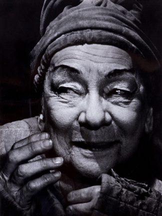 """Rosemarie Clausen (1907-1990), Tilla Durieux as Olah in Max Frisch's """"Die chinesische Mauer"""", 1965."""