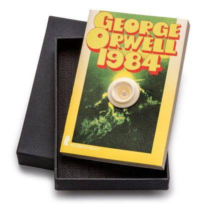 Timm Ulrichs (1940), 1984 (Spion-Buch), 1971/75