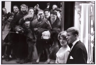 Robert Lebeck (1929 - 2014), Romy Schneider and Hardy Krüger, Hilton Berlin, Film Ball 1959.